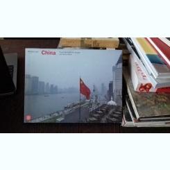 CHINA.  Travels Between the Yangtze and Yellow Rivers  - BARBARA LLOYD