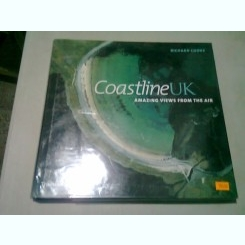 COASTLINE UK. AMAZING VIEWS FROM THE AIR - RICHARD COOKE  (CARTE FOTOGRAFIE, TEXT IN LIMBA ENGLEZA)